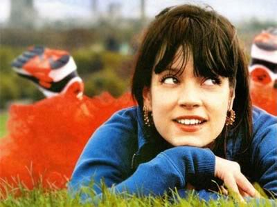 lily-allen-mobile4