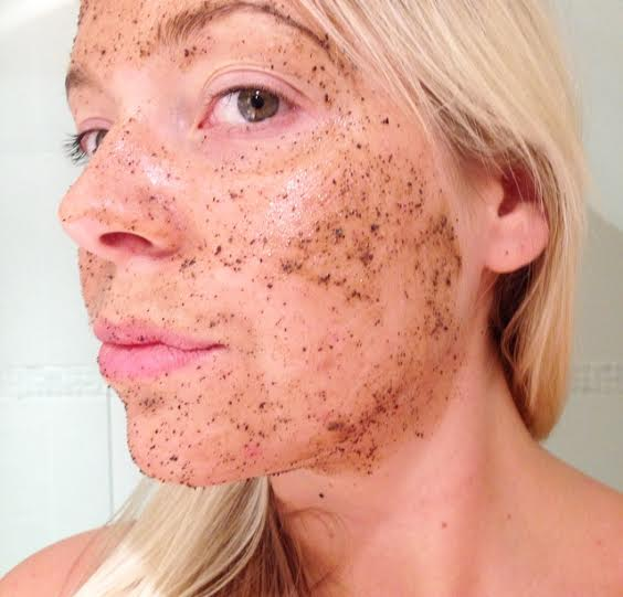 Lush Cup o'coffee coffee face mask exfoliating scrub beauty body natural caffeine lush cosmetics lulu williams blogger