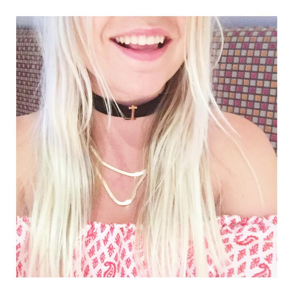 L Velvet Choker Necklace